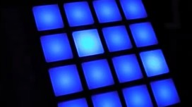 Maschine 1.8 showing the Mikro MK2 controller pad colors